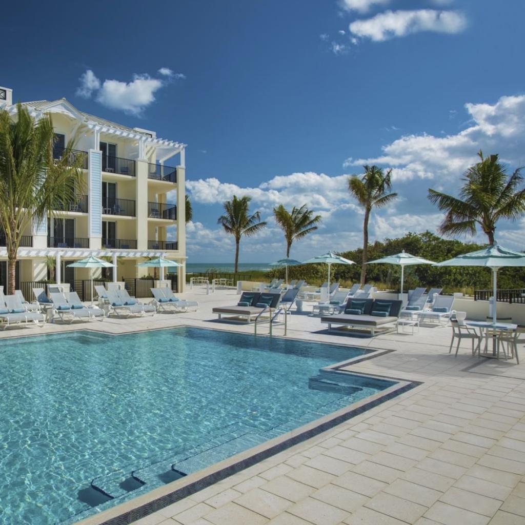 Hutchinson Shores Resort Pool